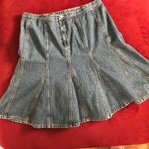 EUC skater shape jean skirt
